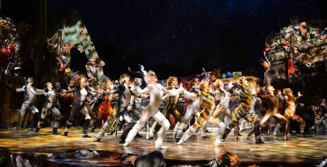 cats-the-musical-2016-credit-alessandro-pinna2-668x341