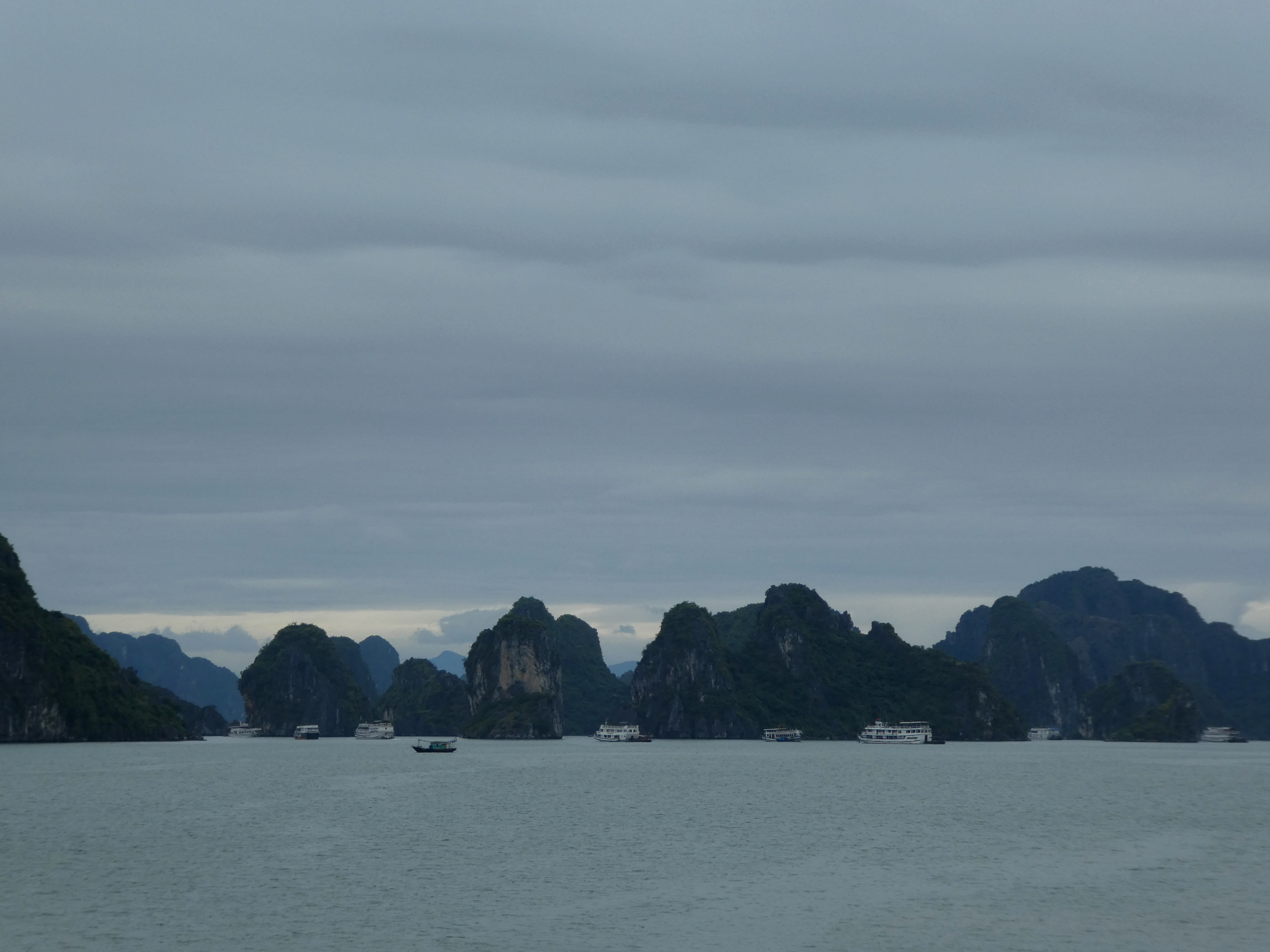 Halong Bay Cruise Day 2 and Chilling in Hanoi.